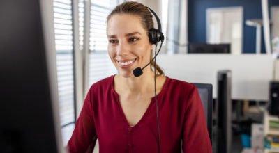 Hot desking: conheça as vantagens e saiba como implementar na empresa